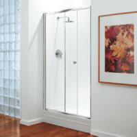 Alcove shower with Coram sliding door screen
